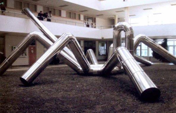 """""""Araña"""", del escultor Carlos Cuenllas."""