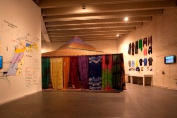 'Tuiza. Las culturas de la jaima'. Instalacción de Federico Guzmán