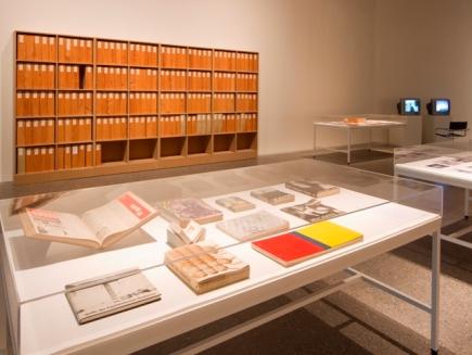 Wolf Vostell, VIDA = ARTE = VIDA. Vista de la exposición en MUSAC. 2018.