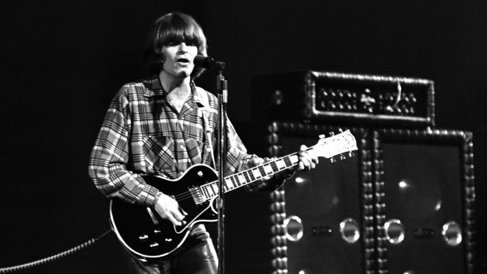 John Fogerty escribió para los Creedence varias canciones en las que recordaba su infancia.jpg