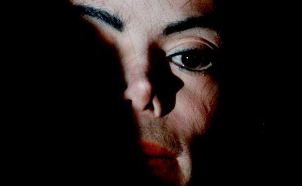 La sombra de la sospecha perseguirá siempre a Michael Jackson, pero un documental es cine, no proceso judicial con garantías.jpg