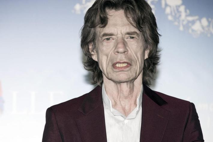 A pesar de verse obligado a pasar unos días en el taller, Jagger lleva muy bien sus tres cuartos de siglo.jpg