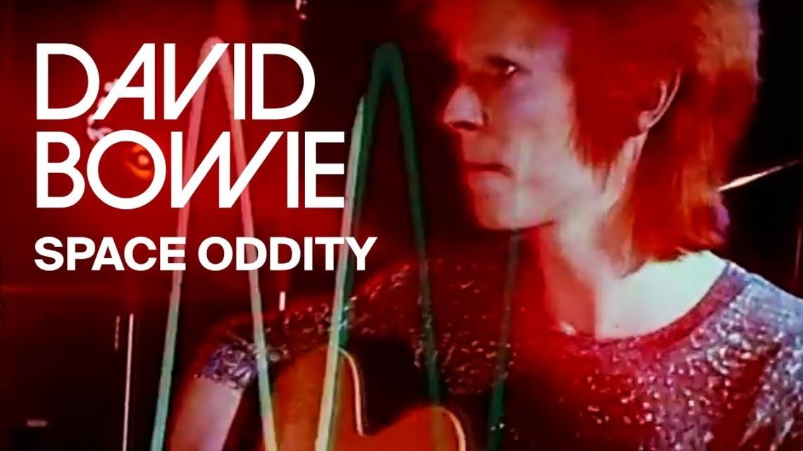 Entre las canciones que fueron éxito hace medio siglo y siguen siéndolo, está la evocadora 'Space oddity' de Bowie.jpg