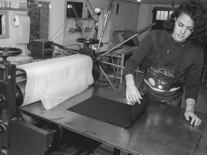 Tanja Blanco en su taller de León.