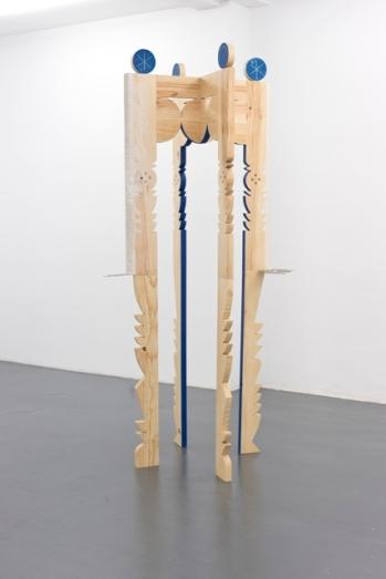 Diego Delas. Amuleto en las vigas, 2017-2018. Colección MUSAC. Fotografía: Deseo Márquez