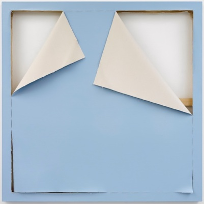 "Ángela de la Cruz. ""Fondo azul"" 2018. Acrílico sobre tela 153 x 153 cm."