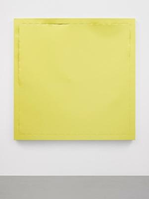 Una obra de la artista Ángela de la Cruz. Acrílico sobre tela.