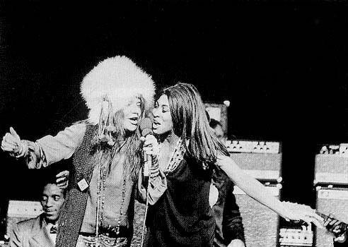 Dos de las más grandes, Janis Joplin y Tina Turner en concierto en Nueva York, 1969.jpg