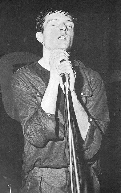 Pocos cantaron sobre aislamiento y soledad como Ian Curtis, de Joy Division.jpg